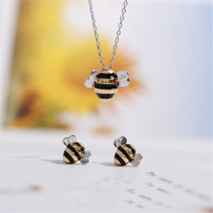 925 Sterling Silver Jewelry Wholesale Korean Fashion Cute Bee Exquisite Creative Female Personality Pendant Necklaces H274